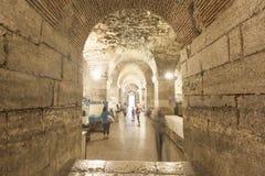 Diocletian宫殿地下室 库存照片