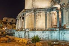 Diocletian pałac przy nocą Zdjęcia Royalty Free
