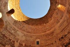Diocletian& x27; s-slott i splittring, Kroatien Royaltyfri Fotografi