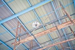 Diodo emissor de luz da lâmpada no armazém moderno da construção Imagens de Stock Royalty Free