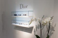 Dior exponeringsglas på skärm på Mido 2014 i Milan, Italien arkivfoto