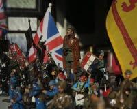 Diorama des alliances de combat à travers des armées de différentes cultures et de périodes historiques Photo stock