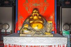 Dios de la felicidad Hotei en el templo imagen de archivo libre de regalías