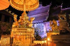 Dios del elefante de Ganesha en Wat Sri Suphan iluminado Imágenes de archivo libres de regalías