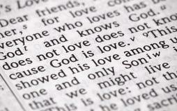 Dios del verso de la biblia es amor en foco estrecho imagen de archivo libre de regalías