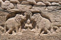 Diosa hindú de la prosperidad con dos elefantes imagen de archivo