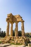 Dioscuri寺庙-铸工和北河三-在寺庙谷,阿哥里根托 免版税库存图片