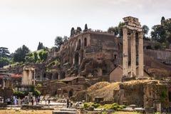 Dioscuri的寺庙-铸工和北河三寺庙-在罗马广场,罗马,意大利 图库摄影
