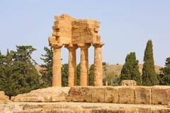 Dioscuri铸工和北河三寺庙  在寺庙的谷,阿哥里根托,西西里岛,意大利的著名古老废墟 r 图库摄影