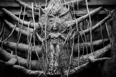 Dioses hindúes en árbol Fotos de archivo libres de regalías