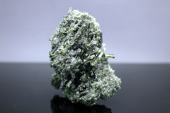 Dioside mineralprov Arkivfoton