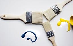 Dipinga e spazzole ed arte immagini stock