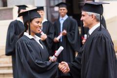 Diplômé d'Afro-américain photo stock