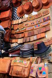 Diplay шляп и кожаных портмон Стоковые Фотографии RF