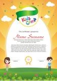 Diploma adorável do acampamento de verão das crianças ilustração stock