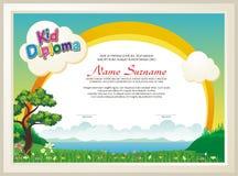 Diploma adorabile del bambino con il paesaggio della natura illustrazione vettoriale
