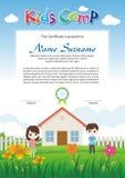 Diploma adorable del campamento de verano de los niños libre illustration