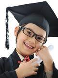 Diploma che si laurea il piccolo bambino dell'allievo, Immagini Stock