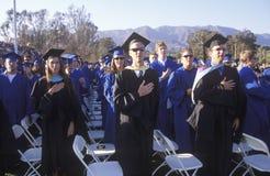 Diplomados de High School secundaria imagen de archivo