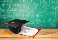 Diplomavläggande av examen Arkivfoto