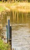Dipstick dla pozioma wody w strumieniu Zdjęcie Stock