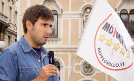 Diputado italiano de Movimento 5 Stelle, Alessandro Di Battista, en Trieste Fotografía de archivo libre de regalías