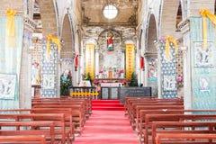 DIQING, КИТАЙ - 17-ОЕ МАРТА 2015: Католическая церковь Cizhong известное историческое место Diqing, Юньнань, Китая Стоковое Изображение RF