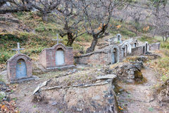 DIQING, CHINA - 17 DE MARZO DE 2015: El cementerio católico en Cizhong A Fotografía de archivo