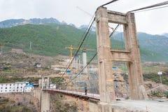 DIQING, CHINA - 18 DE MARZO DE 2015: Puente de Cizhong un tibetano famoso VI Imagenes de archivo
