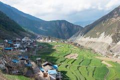DIQING, CHINA - 17. MÄRZ 2015: Cizhong-Dorf ein berühmter Tibetaner V Lizenzfreie Stockfotos