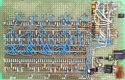 Diríjase la tarjeta de circuitos hecha, porciones de alambres Fotos de archivo libres de regalías