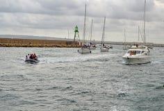 Direção de volta ao porto Foto de Stock Royalty Free