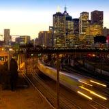 Dirección a casa en tren Imagen de archivo