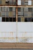 Directe mening van een verlaten fabriek Stock Foto
