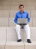 Directeur avec l'ordinateur portatif Photos stock