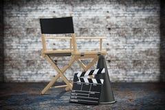 Directeur Chair, Filmklep en Megafoon het 3d teruggeven Stock Foto