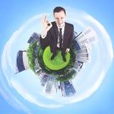 Directeur masculin européen montrant le signe CORRECT Image stock
