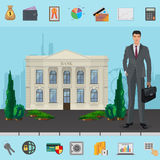 Directeur près de l'édifice bancaire avec le concept moderne de paysage urbain Symboles d'entreprise, des affaires et des finance Photos stock