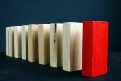 Direction ou unique et différence Ligne des blocs en bois images libres de droits