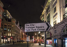 Direction sign to Trafalgar Square and Hyde Park LONDON, England - United Kingdom - FEBRUARY 22, 2016 Royalty Free Stock Photos
