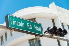 Directions d'inscription de plaque de rue à Lincoln Road, Miami Photo stock