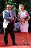Director de cine Vladimir Khotinenko con su esposa Imagen de archivo libre de regalías