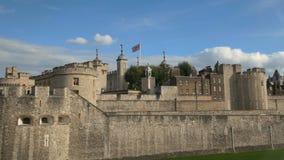 Direita para a esquerda filtrando o tiro da torre de Londres vídeos de arquivo