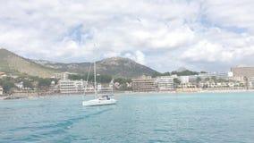 Direito movente da vista litoral do mar em Mallorca do sudoeste video estoque