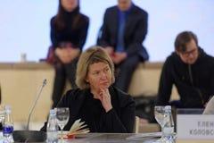 Direktör av den Kaliningrad statmitten av moderna Art Elena Tsvetayeva Arkivbilder