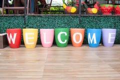 Direkt sikt för färgrik välkomnande arkivfoton