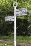 Direzione dell'itinerario del ciclo segnale dentro il prosciutto vicino a Kingston immagini stock