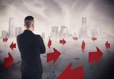 direzioni della rappresentazione 3D per futuro di una carriera dell'uomo d'affari Immagini Stock
