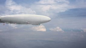 Dirigeable énorme légendaire de zeppelin sur le ciel avec des nuages Ballon stylisé de vol illustration libre de droits
