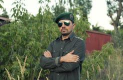 Dirigeant européen dans un béret vert photos libres de droits